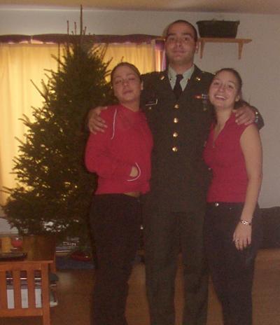 Stephenandsisterschristmas2003